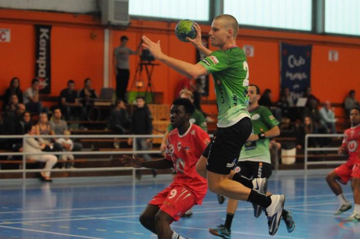 Handball 19/09/2015 N3M CPB Rennes - Angers Noyant Equipe : CPB Rennes Maxime Suzeau